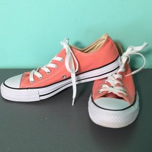 Pink converse tennis shoes